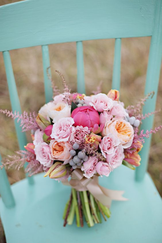 25 Stunning Wedding Bouquets With Roses For A Perfect
