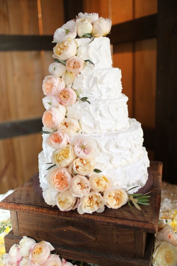 15 wedding cakes with roses that will water your mouth Parfum