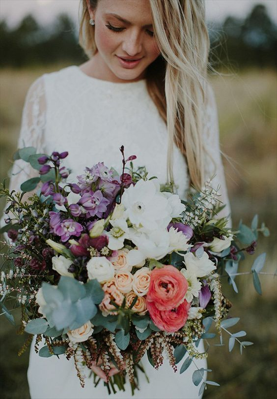 Bouquet with flowers and roses for a bohemian wedding.