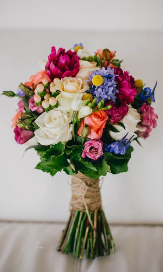 Love the handpicked, garden feel of this stunning bouquet.