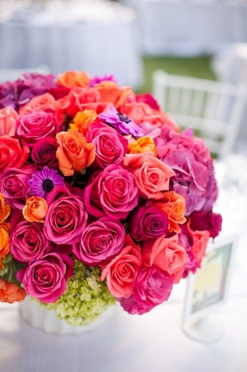 15 gorgeous summer bouquets with roses parfum flower company a trend for bouquets this year hot pink and flaming orange roses mightylinksfo