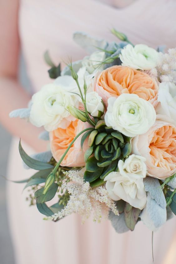 Beautiful wedding bouquet with Juliet roses. Perfect for a beach or garden wedding.