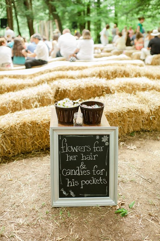 Just too cute. Amazing idea for a bohemian, country or rustic wedding