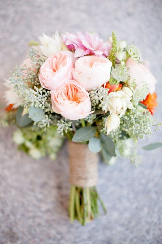 Gorgeous rustic wedding bouquet with the David Austin Wedding Rose Juliet.
