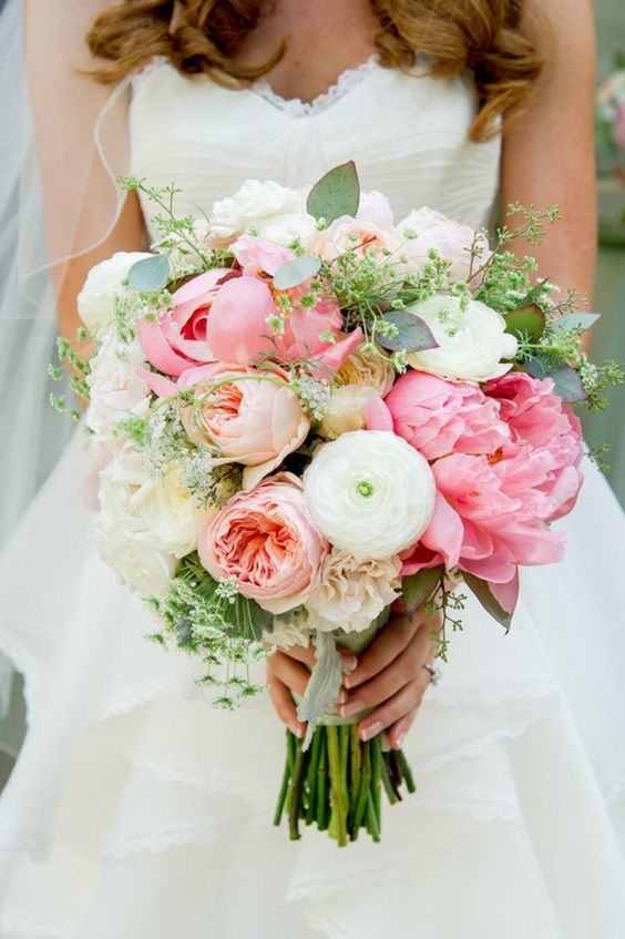 Beautiful wedding bouquet with peonies and the David Austin Wedding Rose Juliet.