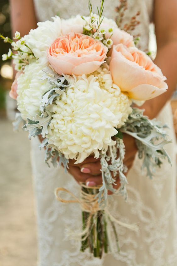 Peach and white; what a lovely color combination! Love the Juliet roses.