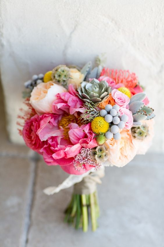 Colorful wedding bouquet with the David Austin Wedding Rose Juliet