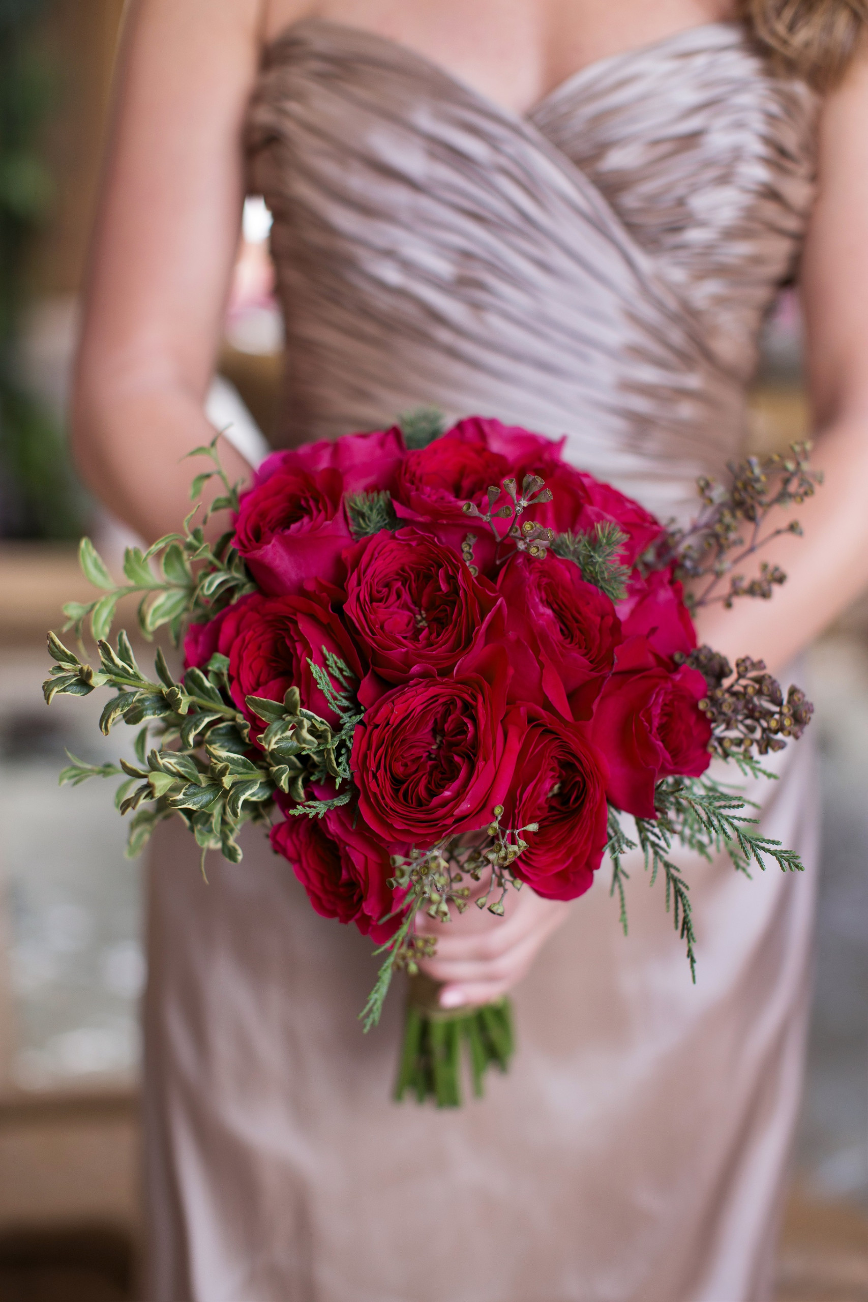 Beautiful bouquet for this fall with garden rose Tess from the David Austin collection.