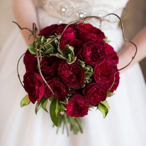 This Type Of Wedding Bouquet Can Be Easily Tailored In Cost Because Its Ability To Compromised Either The Same Flower Or An Ortment
