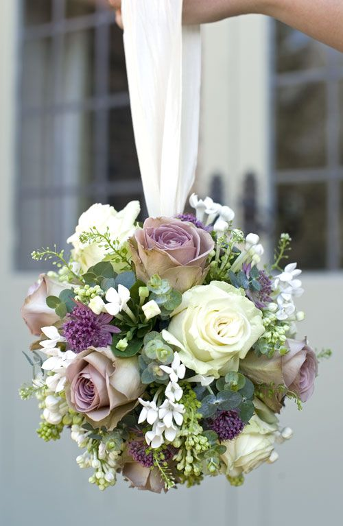 the 6 most popular types of wedding bouquets. Black Bedroom Furniture Sets. Home Design Ideas