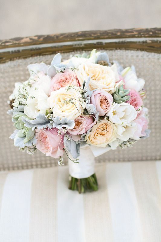 White with a little warmth in this wonderful bouquet with Edith roses.