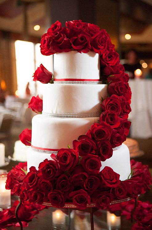 black and white wedding cake red roses 40 wedding cakes with roses you just can t resist 11847