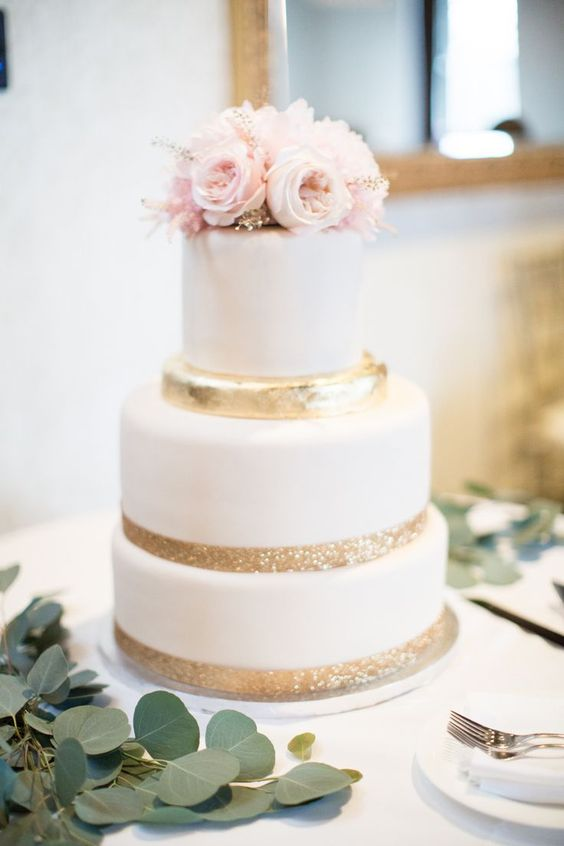 40 wedding cakes with roses you just can\'t resist