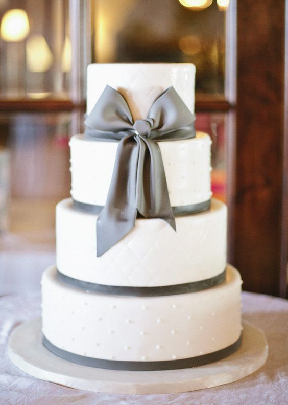 Simple but oh so cute(!) white and grey wedding cake.