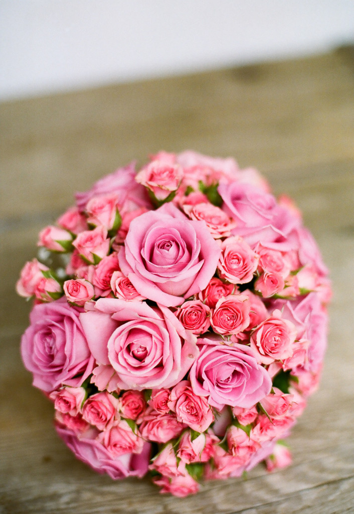 If you really want to stand out, you can go for a brighter pink mono bouquet. Beautiful!