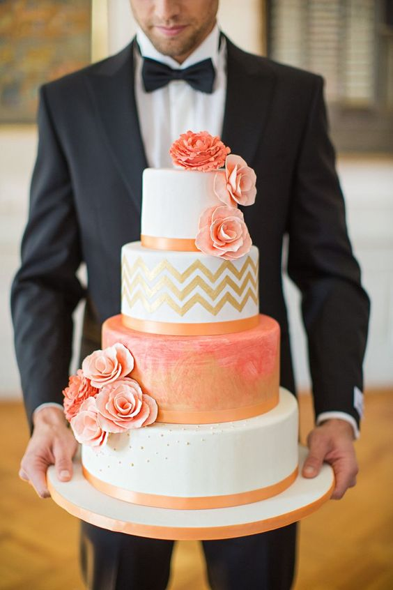 This coral wedding cake...perfect!