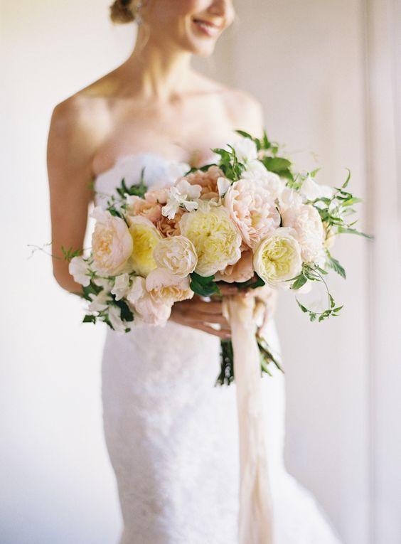 Wedding bouquet for an intimate summer wedding.