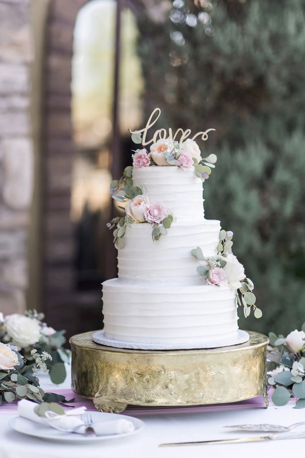 Classic vineyard wedding cake with a hint of vintage.
