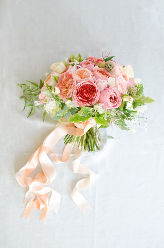 ThisAnd look at those gorgeous Romantic Antike roses!