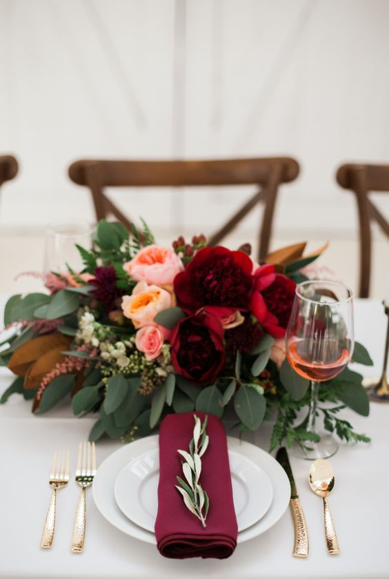 A festive table decoration with golden details