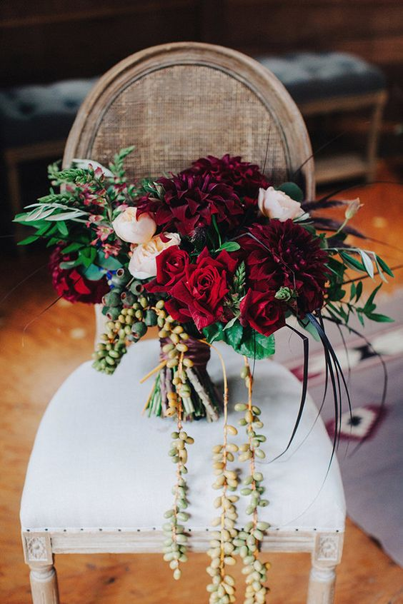 Let's start with something burgundy! If we can believe Pinterest, burgundy/peach color combinations are IT this fall. And looking at this gorgeous bouquet, we can totally see why!