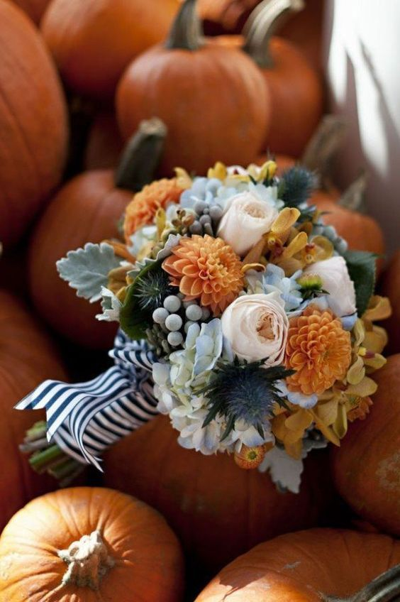 Describe fall in one word? Pumpkins. Pumpkin everything, even your wedding. We're not going to lie, it does look cozy and cute