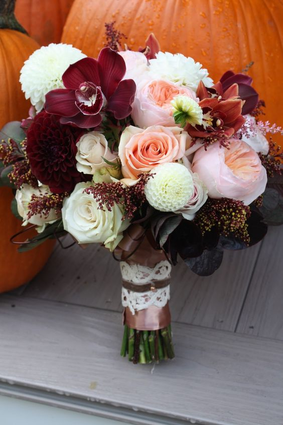 Just one more time. Because...pumpkins. And this bouquet is simply stunning!