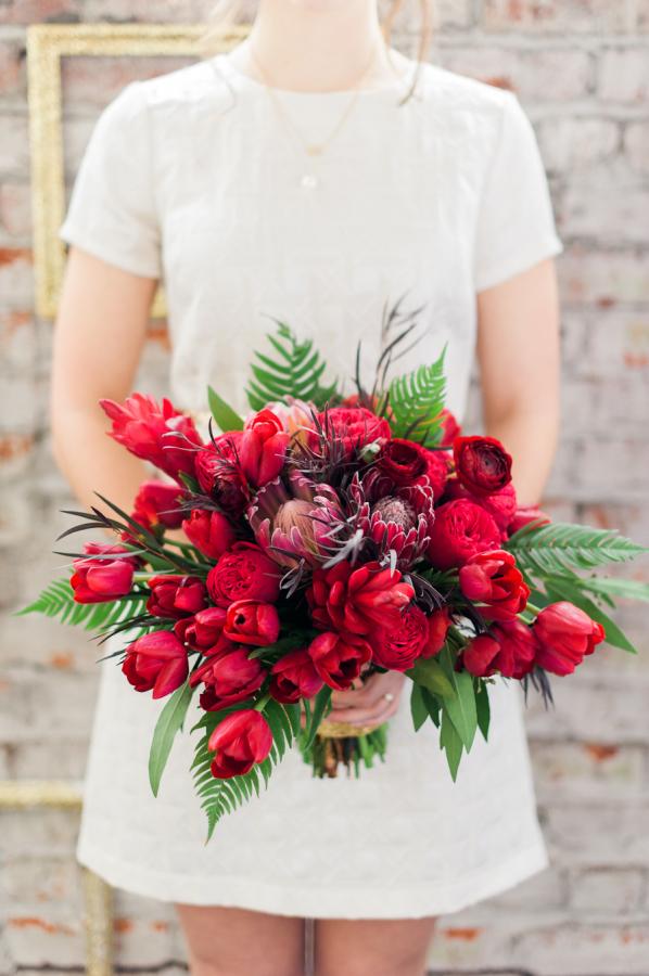 Swoon-worthy wedding bouquet. Via Aisle Perfect