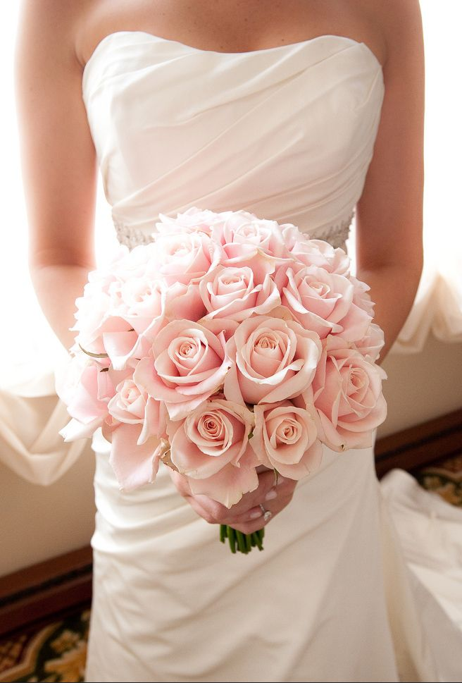 Or A Soft Pink Mono Bouquet For Instance With Swoon Worthy Apricot Paul Ricard