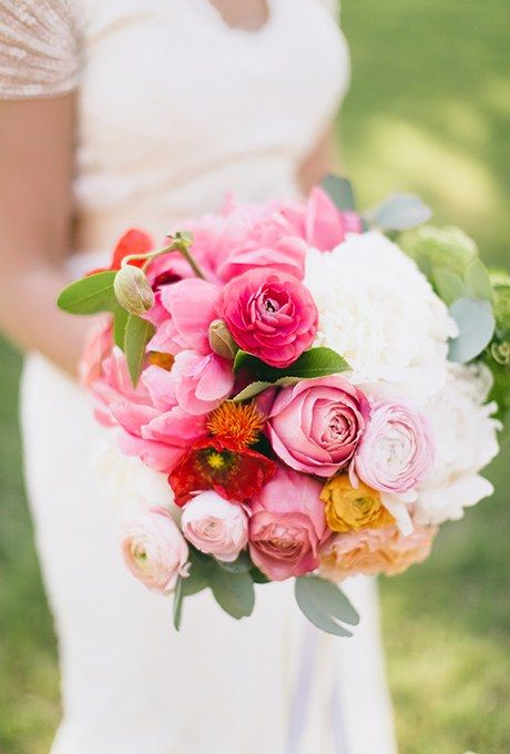 A huge wedding favorite for this year is the Romantic Antike rose, with wonderful outer petals in bright pink and blush tones in its center. Via Brides
