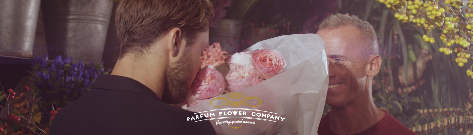 layer-slider-bloemenwinkel-ruiken-aan-rozen