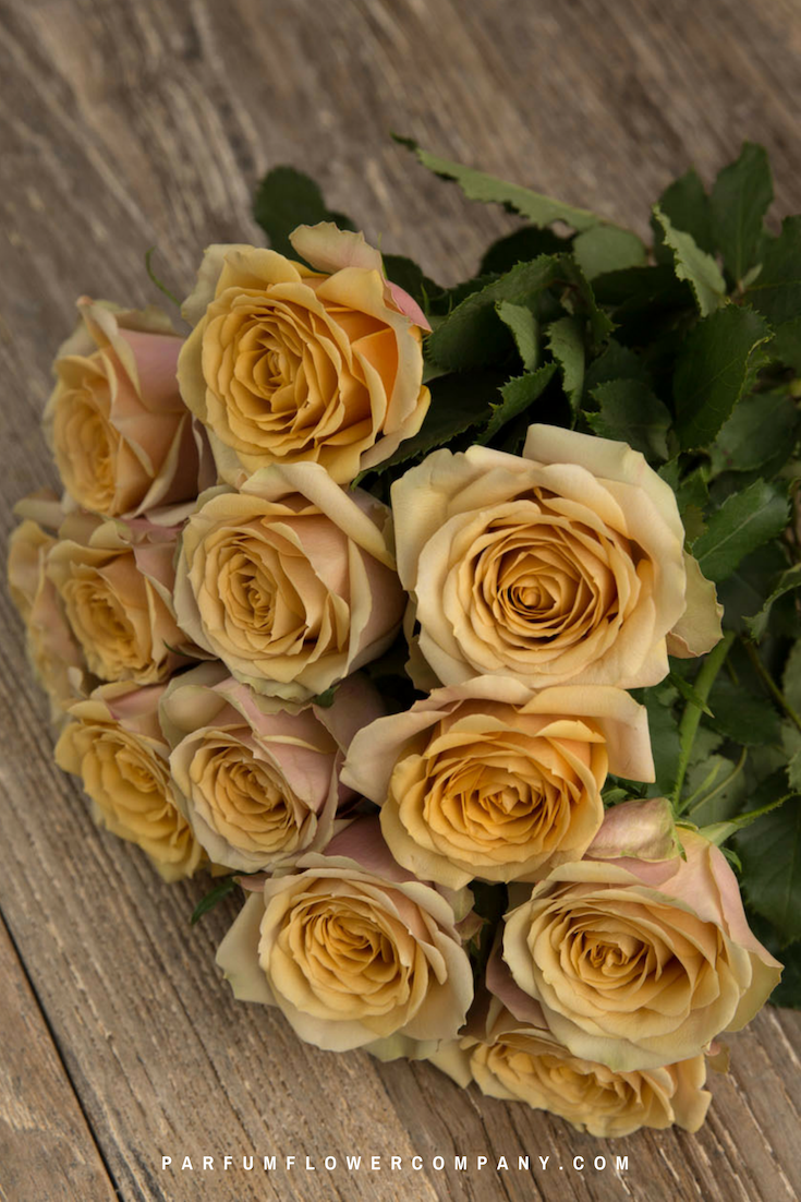 White And Yellow Flowers Bouquet Premium Garden Rose Go...