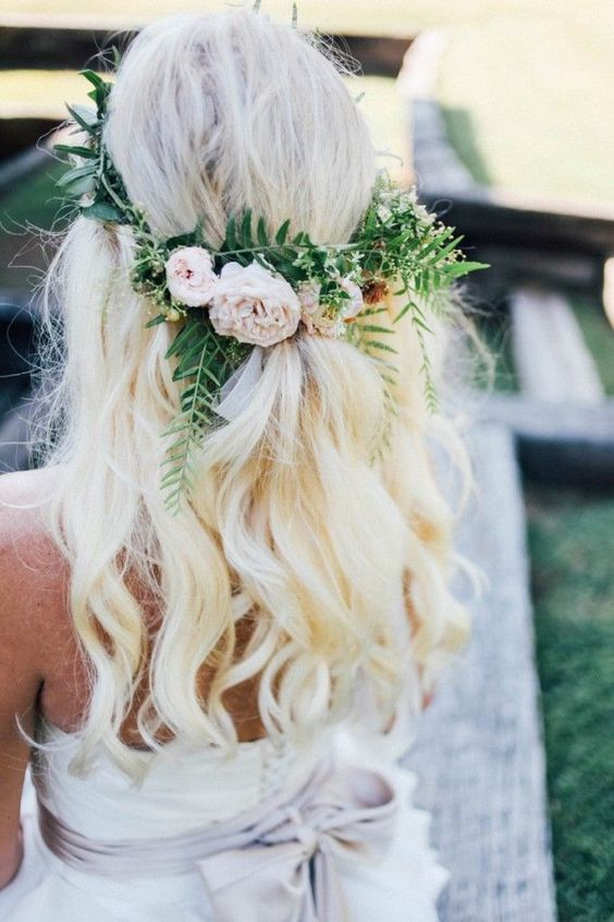 A romantic bohemian look, perfect for this summer. Via Mariage