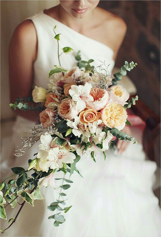 Stunning wedding bouquet with David Austin roses