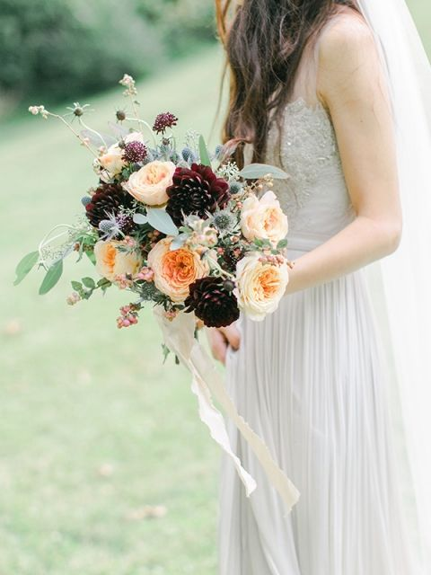 Wedding bouquet. Via Hey Wedding Lady