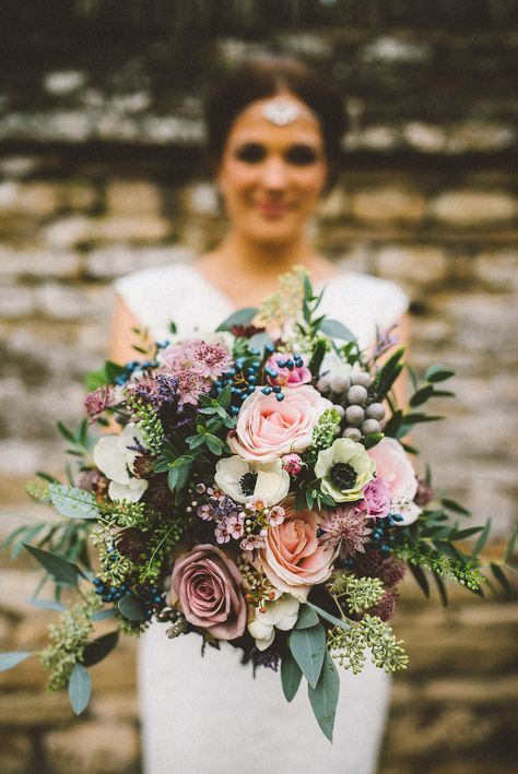 Stunning wedding bouquet for this fall. Via Fab Mood