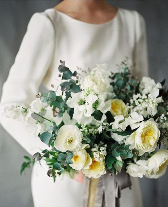 White and soft yellow wedding bouquet