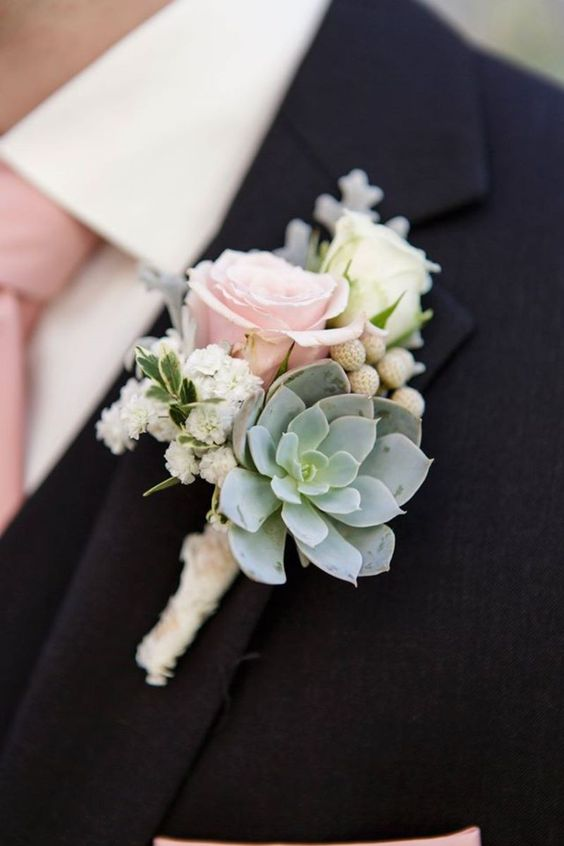 Wedding boutonniere with roses. Via Rent My Dust