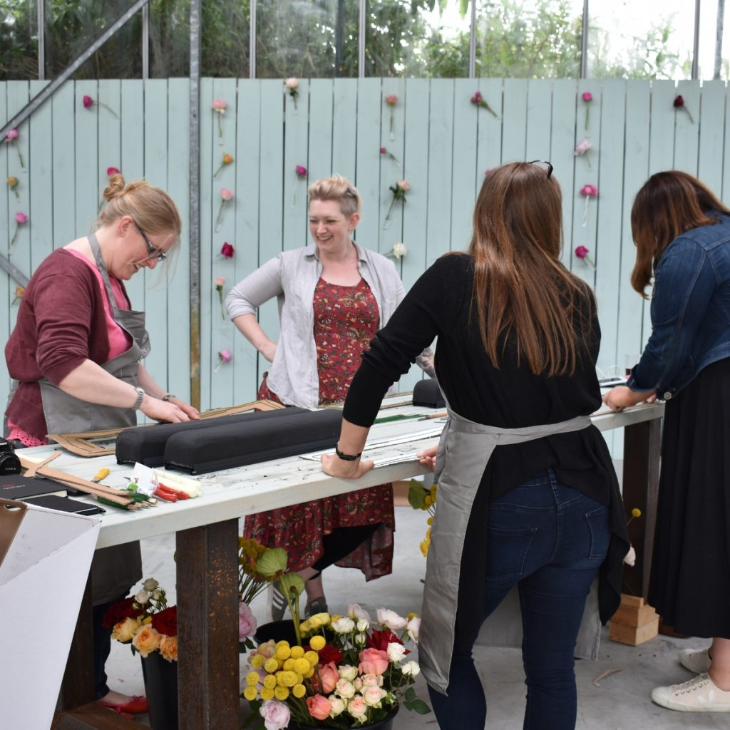Workshop florists in the Fragrant garden by Max Hurtaud with Black oasis from Smithers Oasis